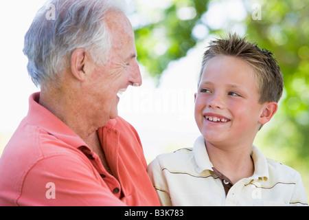 Порно старики трахают молоденьких